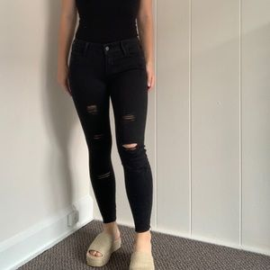 Old navy petite ripped skinny jean